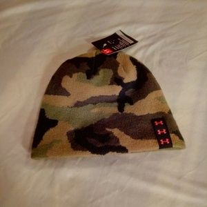 Nwt youth Under Armour beanie